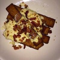 11/18/2014에 Danny C.님이 Dekalb Restaurant에서 찍은 사진