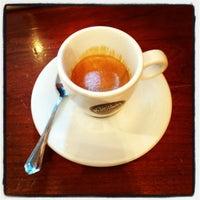 Foto scattata a Caffè Ambrosiano da Saul S. il 9/21/2012
