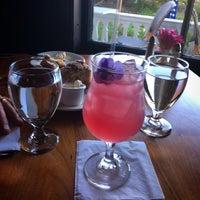Foto diambil di MacCallum House Restaurant, Grey Whale Bar & Cafe oleh Lisa L. pada 7/5/2018
