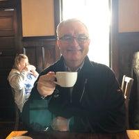 Foto diambil di MacCallum House Restaurant, Grey Whale Bar & Cafe oleh Lisa L. pada 7/4/2018