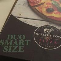 Das Foto wurde bei Healthy Cow Pizza von Ninali S. am 7/17/2016 aufgenommen