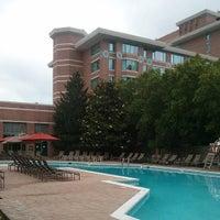 Foto scattata a Lansdowne Resort and Spa da Ryan H. il 6/23/2013