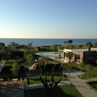 รูปภาพถ่ายที่ Assos Ida Costa Hotel โดย Esra O. เมื่อ 4/13/2013