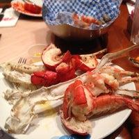 Das Foto wurde bei Village Seafood Buffet von Craig G. am 5/10/2013 aufgenommen