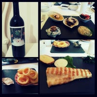 Photo prise au Trilye Restaurant par Sirvan Reya N. le5/22/2014