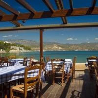 Photo prise au Κάβος par Theo P. le10/18/2012