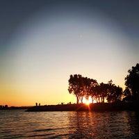 Das Foto wurde bei Embarcadero Marina Park South von Wendy am 9/5/2013 aufgenommen