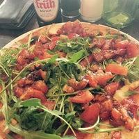 Foto diambil di Pizzeria Piccola L'Originale oleh Kerim pada 4/11/2015
