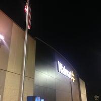 Снимок сделан в Walmart Supercenter пользователем BoB N. 5/14/2013