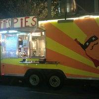 Photo prise au Whiffies Fried Pies par John R. le11/9/2012