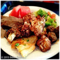 Photo prise au Afrah Mediterranean Restaurant & Pastries par Dallas Foodie (. le10/23/2012