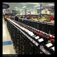 รูปภาพถ่ายที่ Spec's โดย Dallas Foodie (. เมื่อ 1/5/2013