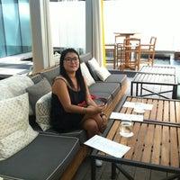 Photo prise au Rosewood Hotel Georgia par Irina G. le7/20/2013