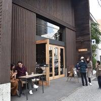 รูปภาพถ่ายที่ Allpress Espresso Tokyo Roastery & Cafe โดย ひら 孔. เมื่อ 11/10/2018