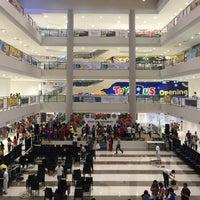 Photo prise au Ayala Malls South Park par Brian Anthony C. le3/8/2017