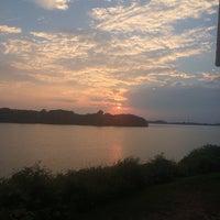 8/25/2015 tarihinde Bernard G.ziyaretçi tarafından East By Northeast'de çekilen fotoğraf