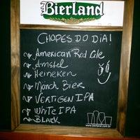 Foto tirada no(a) Mönch Bier Pub Cervejas do Mundo por Mönch B. em 4/9/2015