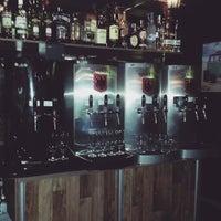 Foto tirada no(a) Mönch Bier Pub Cervejas do Mundo por Mönch B. em 9/18/2015