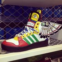 Photo prise au Adidas Originals par Tarzan le3/25/2013