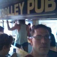 Foto tirada no(a) Trolley Pub por Jeff W. em 5/9/2013