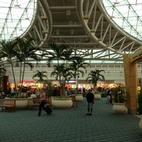 Foto diambil di Orlando International Airport (MCO) oleh Scott S. pada 6/14/2013