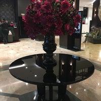 Foto tirada no(a) Radisson Blu Leogrand Hotel por Şeyda A. em 10/26/2018