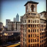 Foto tirada no(a) Georgian Terrace Hotel por annie c. em 2/9/2013