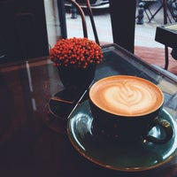 10/24/2014 tarihinde Sedaziyaretçi tarafından Rafine Espresso Bar'de çekilen fotoğraf