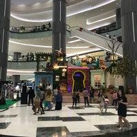 Photo prise au Lippo Mall Puri par Elena Jean S. le3/11/2018