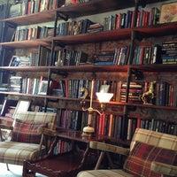 4/14/2013 tarihinde Michelle H.ziyaretçi tarafından One Shot Cafe'de çekilen fotoğraf