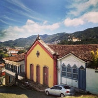Das Foto wurde bei Centro Histórico de Ouro Preto von Sergio R. am 5/11/2015 aufgenommen