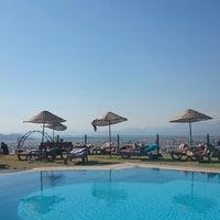 Photo prise au Sundial Otel, Bar & Restaurant par Barış K. le9/14/2014