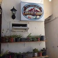 9/9/2014 tarihinde Güray A.ziyaretçi tarafından Roll Coffee House'de çekilen fotoğraf
