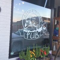 รูปภาพถ่ายที่ Father Tom's Pub โดย Robert C. เมื่อ 7/16/2018