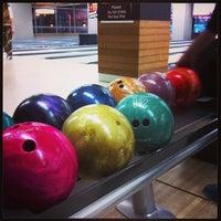 รูปภาพถ่ายที่ Rolling Ball Bowling โดย Shakir Q. เมื่อ 3/2/2013