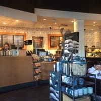 Снимок сделан в Starbucks пользователем Blake F. 9/22/2014