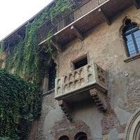 10/21/2012 tarihinde Pat S.ziyaretçi tarafından Casa di Giulietta'de çekilen fotoğraf