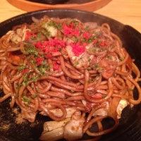 Foto scattata a 焼きそばのまるしょう 豊四季本店 da gerorin il 10/18/2012