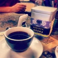 Photo prise au New World Coffee House par Pam ☕️ O. le11/1/2012