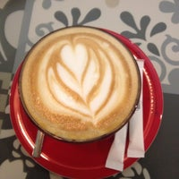 Photo prise au Coffeetopia par Ayten U. le11/15/2014