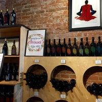 Foto tomada en Thumbprint Cellars Tasting Room & Art Gallery por Global H. el 5/3/2015
