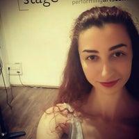 Photo prise au Stage Performing Arts Center par Büşra Özgen V. le5/22/2016