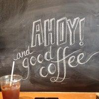 Foto scattata a Ports Coffee & Tea Co. da achilles d. il 5/30/2013