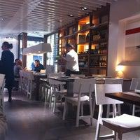 2/4/2013 tarihinde Pablo C.ziyaretçi tarafından Abica Tapas Bar'de çekilen fotoğraf