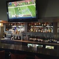 10/19/2014 tarihinde D'Andre B.ziyaretçi tarafından Blue Wave Bar & Grill'de çekilen fotoğraf