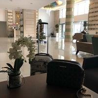 รูปภาพถ่ายที่ Rox Hotel โดย Z S. เมื่อ 12/26/2018