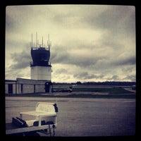 Снимок сделан в Ithaca Tompkins Regional Airport (ITH) пользователем Winston L. 11/4/2012