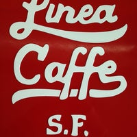 Foto tirada no(a) Linea Caffe por Ariel B. em 6/15/2013