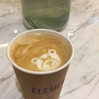 Das Foto wurde bei Element Specialty Coffee von Sultan M. am 11/9/2018 aufgenommen