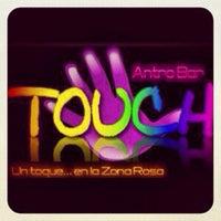 Foto tomada en Touch Bar por Alain M. el 11/2/2012